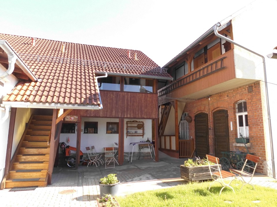 Anbau && Nebengebäude Hofseit